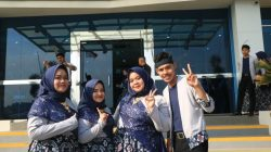 Four DEE Students Who are Involved in the UMS Choir. (Left to Right): Nur Khasanah, Afina, Arlida Titania, Bagus Saputro Nurcahyo