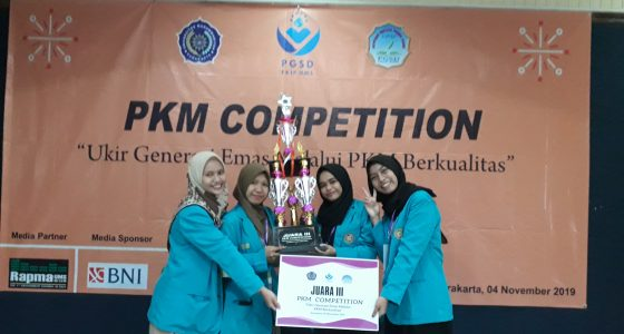 The DEE Team is Receiving Trophy and Certificate as the 3rd Place for PKM Competition 2019 at UMS